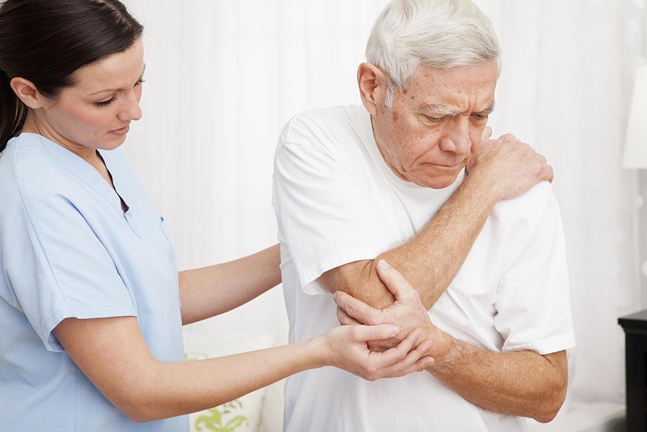 ghế massage sản phẩm phù hợp giảm đau xương khớp