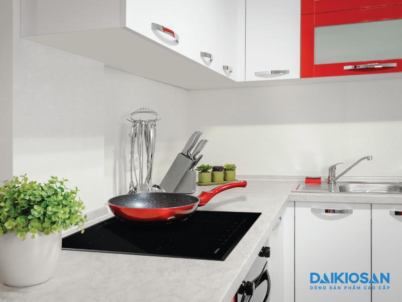 Bếp từ giúp tiết kiệm thời gian nấu ăn và điện năng tiêu thụ