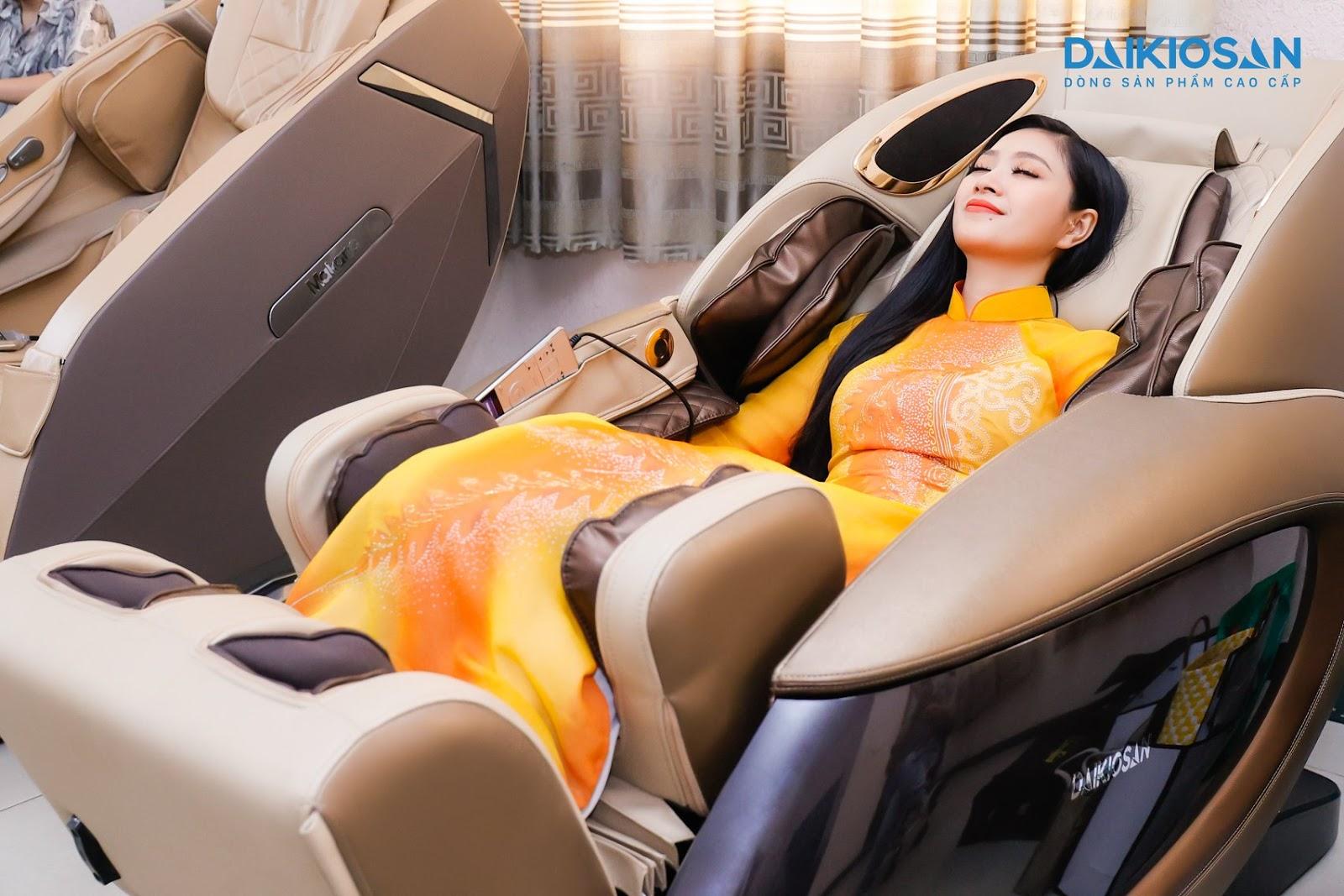 Ghế massage vật lý trị liệu được các thí sinh Ca sĩ Thần tượng đánh giá cao