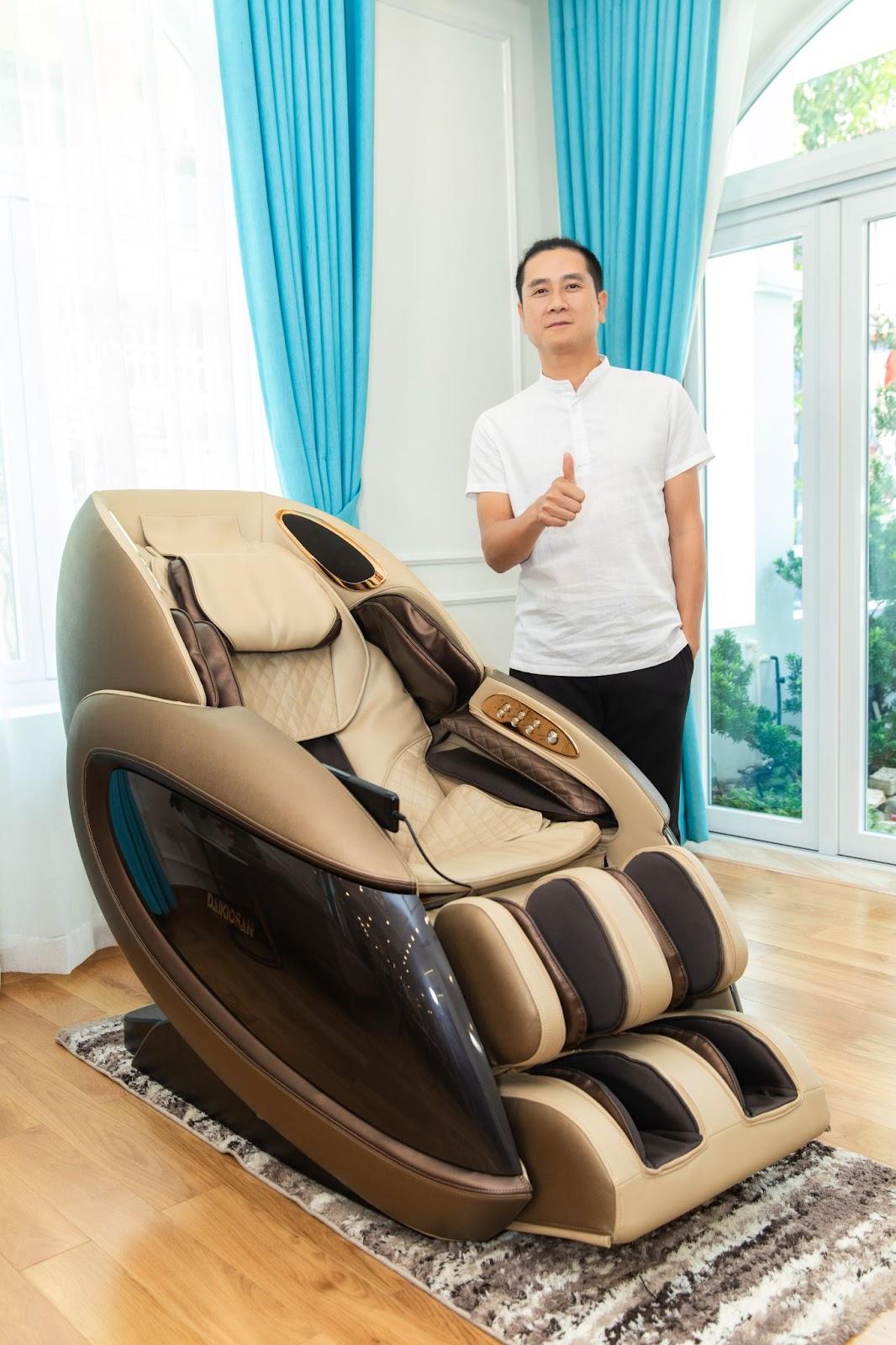 Ghế massage Daikiosan DKGM-30003 được nhạc sỹ Hồ Hoài Anh tin dùng