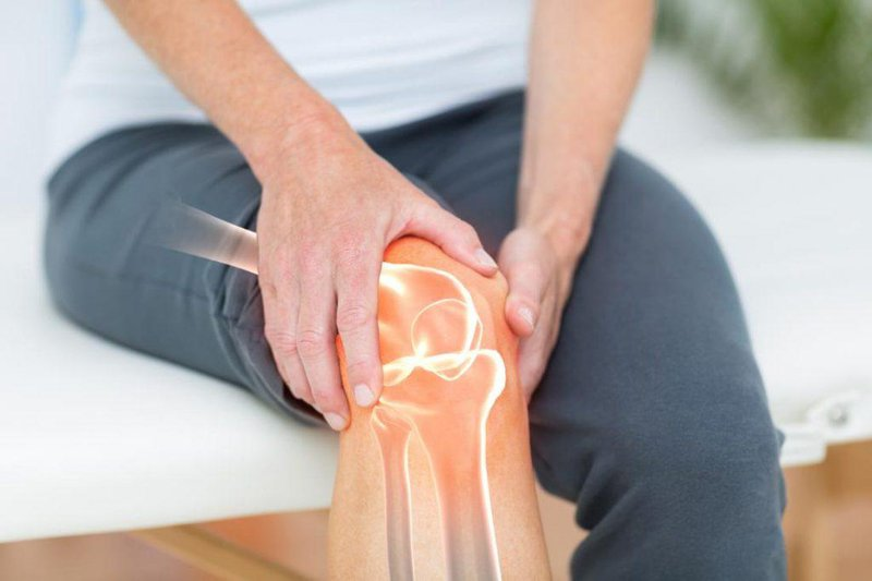 Người bị các bệnh lý nặng về xương, khớp không nên sử dụng ghế massage
