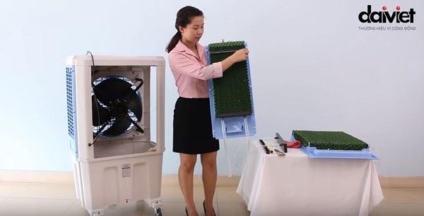 Tấm Cooling Pad màu xanh của máy làm mát Daikiosan có hiệu suất làm mát cao hơn so với màu xám thông thường