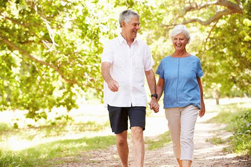 Vận động giúp cơ thể khỏe mạnh, hạn chế thoái hóa cột sống