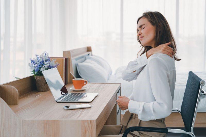 Sử dụng ghế massage giờ làm việc giúp giảm nhanh mệt mỏi và cải thiện tinh thần
