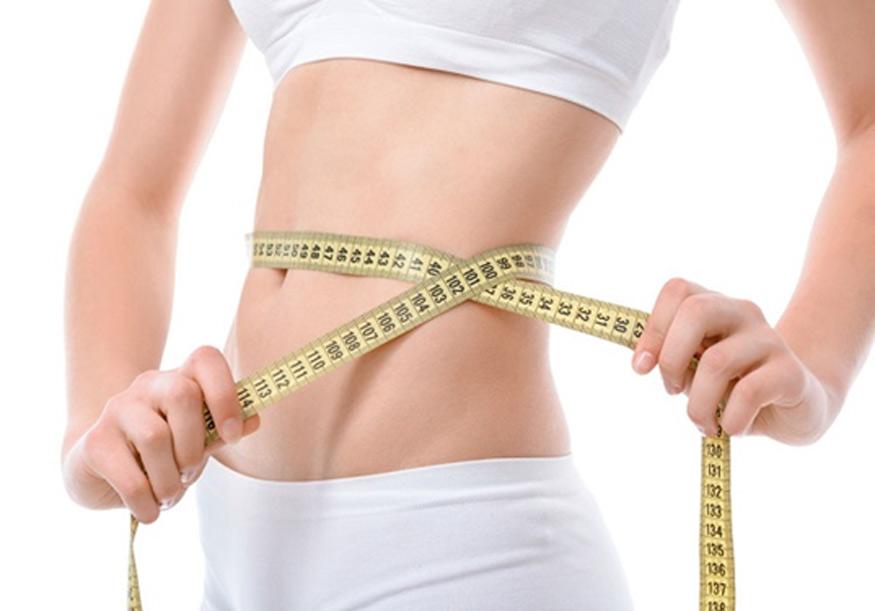 uống nước đá giúp giảm cân