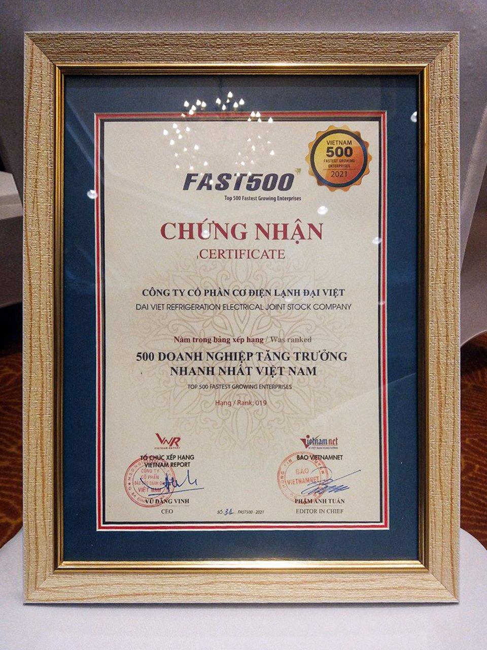 Bằng khen Top 500 doanh nghiệp tăng trưởng năm 2021 của Tập Đoàn Đại Việt