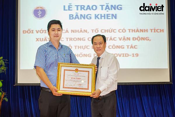 Đại Việt nhận bằng khen của UBND Thành phố trong công tác vận động, ủng hộ phòng chống dịch Covid-19