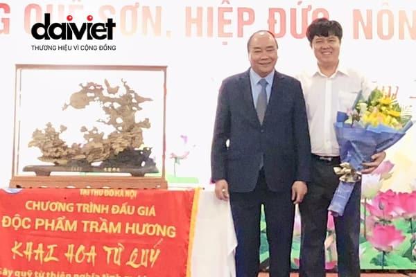 Đại Việt đấu giá từ thiện độc phẩm Trầm hương trị giá 2 tỷ đồng