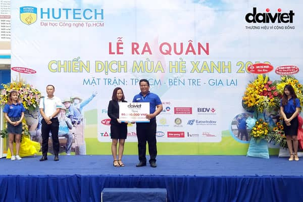 Đại Việt tài trợ Chiến dịch tình nguyện Mùa hè xanh 2019 tại trường đại học HUTECH