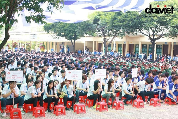 Đại Việt tiếp tục tài trợ học bổng cho sinh viên trường Cao Đẳng Lý Tự Trọng