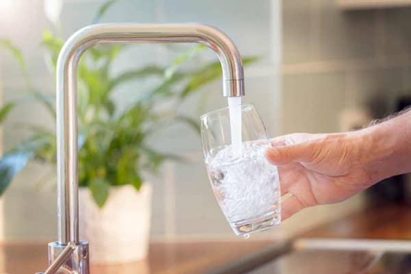 Nước máy có sạch không? Nước máy đun sôi uống có được không?