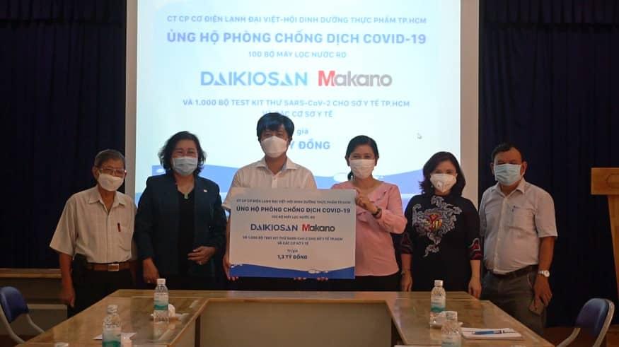 Tặng 100 máy lọc nước và 1250 bộ test kit thử SARS-CoV-2 cho ngành Y tế TP.Hồ Chí Minh