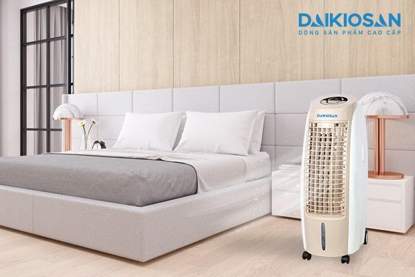 Trẻ nhỏ có nên sử dụng máy làm mát không khí thay điều hòa không?